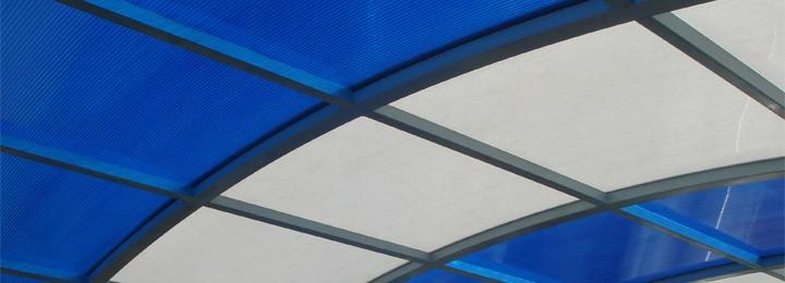 Подвесной потолок и стена